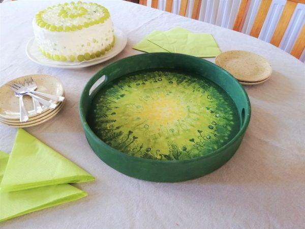 piktorella-kerek talca-zöld-kezzel festett-egyedi ajándék születésnapra
