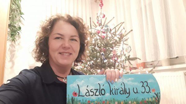 piktorella-utcatabla-cserép-kézzelfestett-virágos egyedi kézműves ajándék karácsonyra