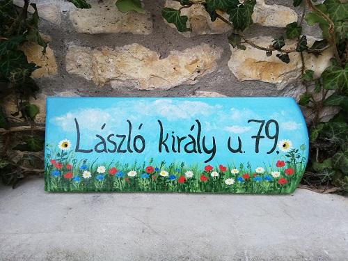 piktorella-utcatabla-cserép-kézzelfestett-virágos egyedi ajándék születésnapra-margaréta-pipacs-búzavirág